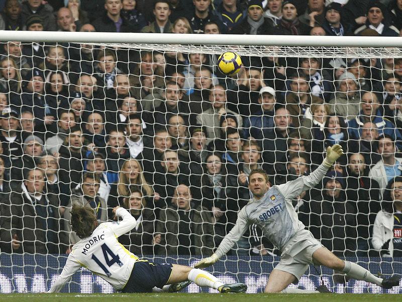 Luka-Modric-goal-Tottenham-v-West-Ham_2401455